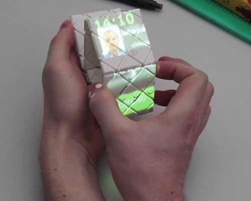 片状可变形 智能手机 :翻、折、卷,随心所欲