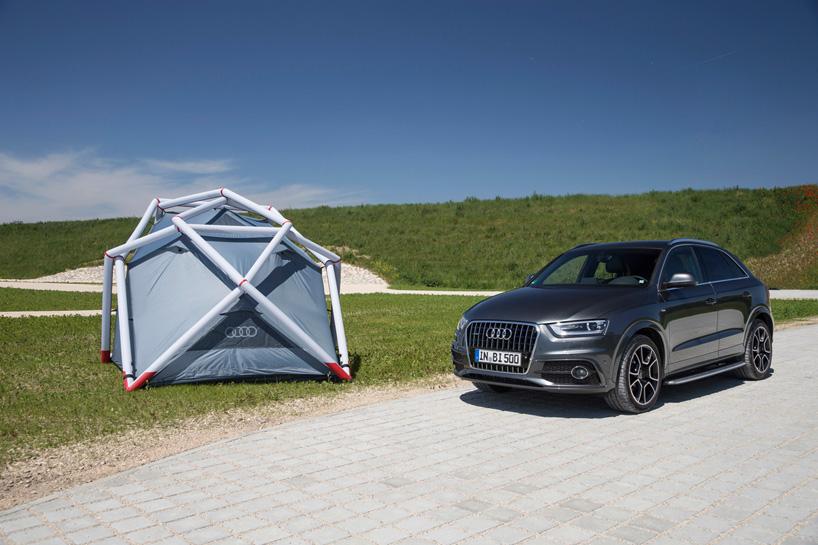 此帐篷可以从车顶行李架铺开,充气,约七分钟就可以组装完毕.