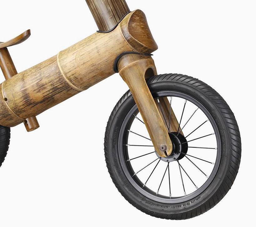 greenchamp自行车是一款为18个月到5岁之间儿童设计的竹制手工