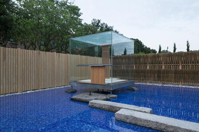 glass-tea-house-pavilion-by-hiroshi-sugimoto-designboom-01