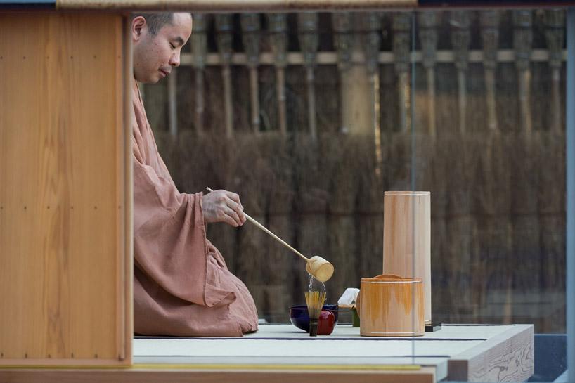 glass-tea-house-pavilion-by-hiroshi-sugimoto-designboom-08