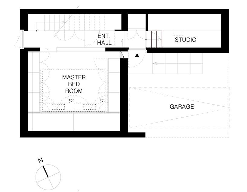 在东京设计带大窗户木框架房屋