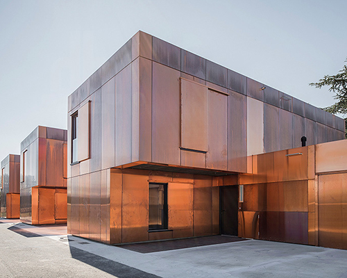 LCR architectes 采用金属铜设计法国公立中学