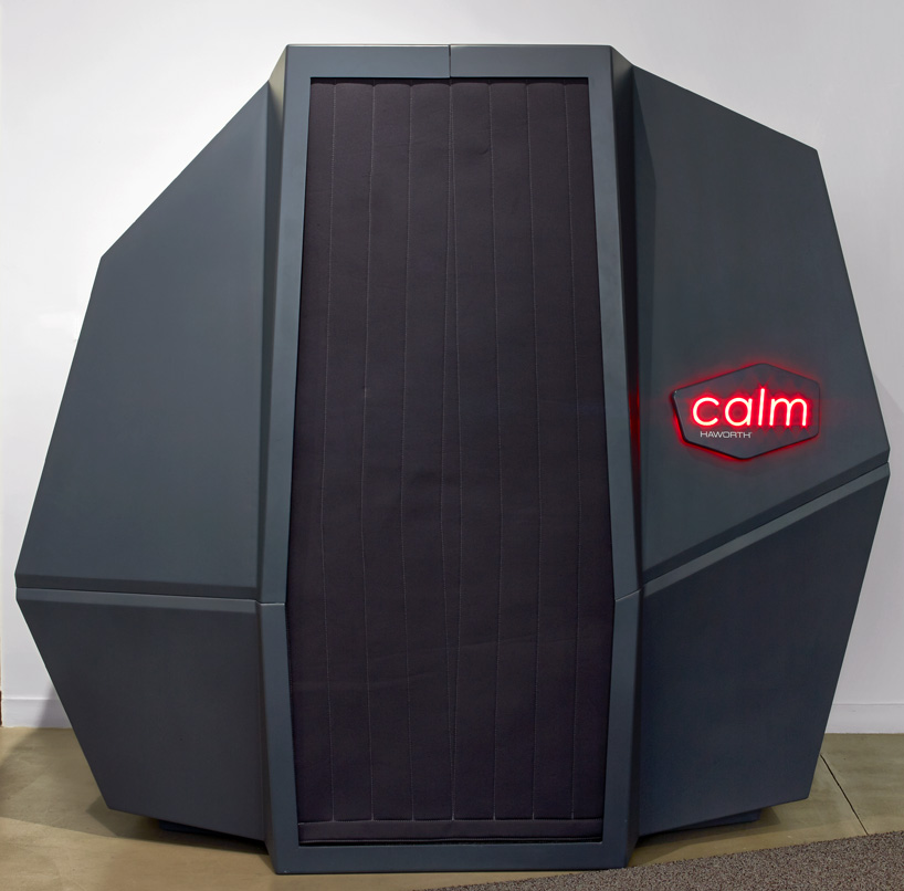 HAWORTH calmspace self-co<em></em>ntained pod is made for taking naps at work-designboom-04