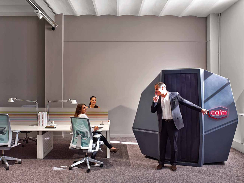 HAWORTH calmspace self-co<em></em>ntained pod is made for taking naps at work-designboom-06