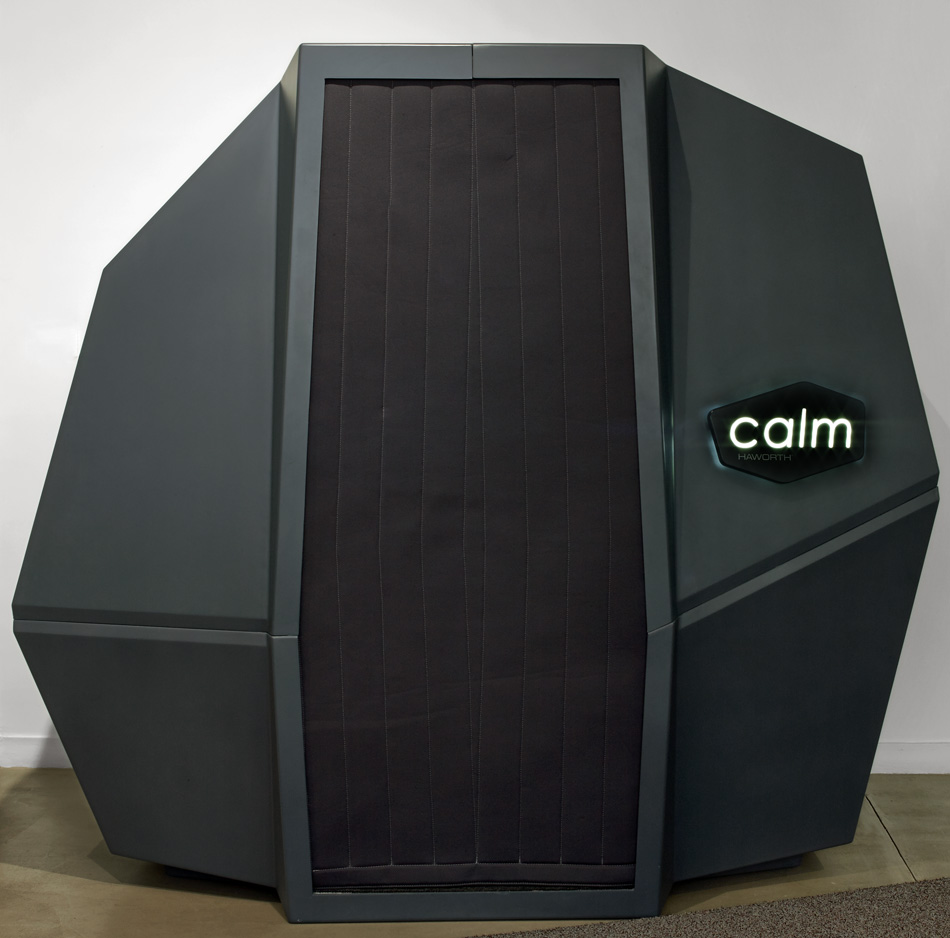 HAWORTH calmspace self-co<em></em>ntained pod is made for taking naps at work-designboom-07