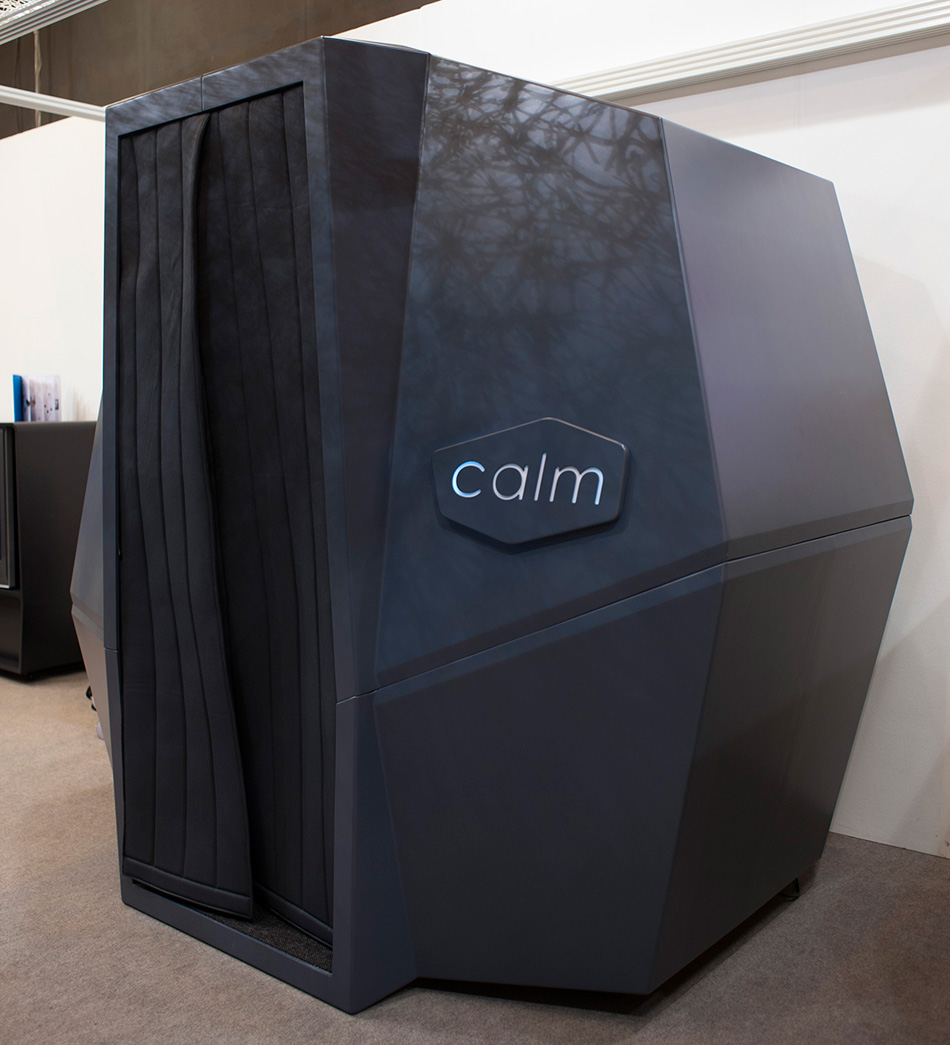 HAWORTH calmspace self-co<em></em>ntained pod is made for taking naps at work-designboom-09
