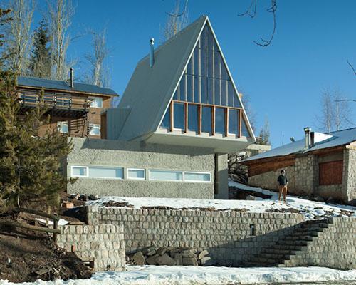 del rio与nunez联合设计智利山脉A字形休闲住宅