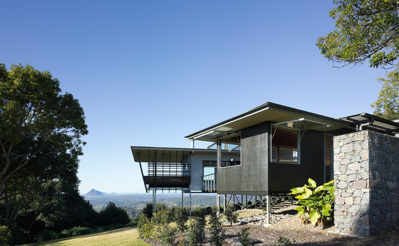 glass house mountain house-designboom-08