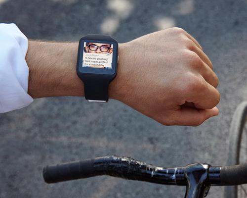 索尼推出防尘防水的智能手环smartband talk和智能手表SmartWatch3