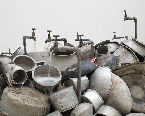 法兰克福现代艺术博物馆里 Subodh Gupta 作品:一切尽在其中
