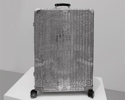 wim delvoye 在巴黎perrotin画廊把美丽雕刻在平凡物品上