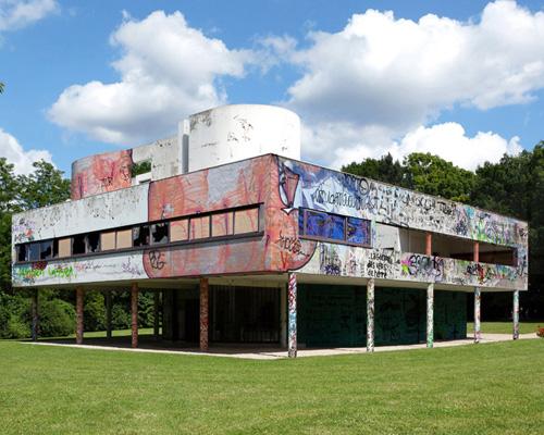 Xavier Delory 设想Corbusier的Savoye别墅变得破旧不堪