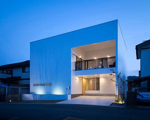 """山下喜明建筑设计事务所 在大阪落成""""带北面露台的住宅"""""""