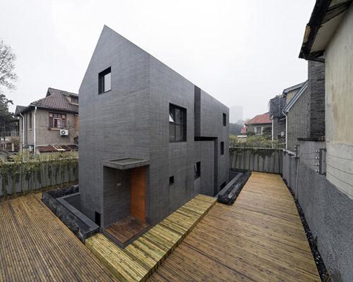张雷联合 建筑事务所设计的混凝土缝之宅