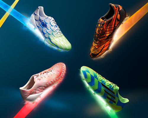 阿迪达斯发布 crazylight pack 超轻系列足球鞋