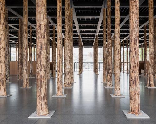 柏林新国家美术馆的木石展——建筑师 chipperfield 设计