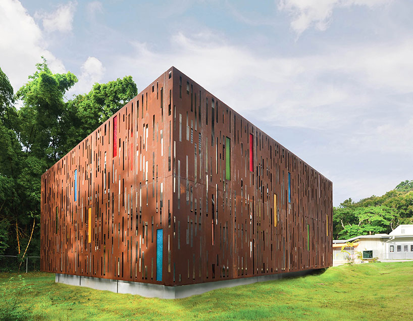 一层以及覆盖有折叠木屋顶