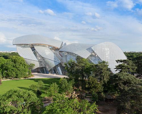 弗兰克·盖里 设计的路易威登创意基金会在巴黎开幕