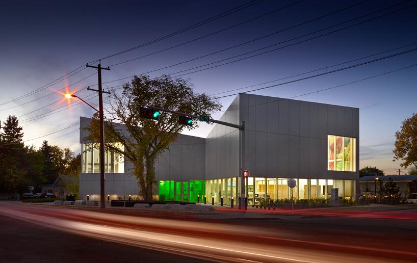 新图书馆设计了斜尖屋顶的形式