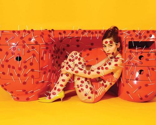 maurizio cattelan 拍摄1968激进的意大利家具设计