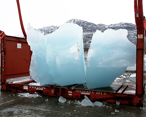 olafur  eliasson 把100吨的冰块移到哥本哈根展示气候变暖