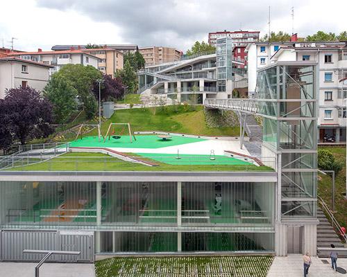 vaumm arkitektura 建筑事务所设计连接西班牙城市肌理的停车场
