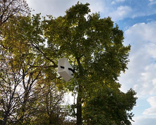 studio L/B在 巴黎 的树顶放置木制隧道