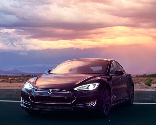 世界上电动车里跑的最快的车型——新款特斯拉( tesla )model S P85D双电机电动汽车魅力登场,加入自动巡航技术