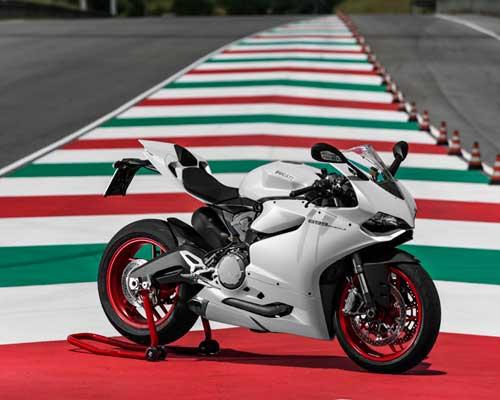 2015款杜卡迪 Ducati Panigale超级跑车系列四款车型亮相车展,震惊 EICMA