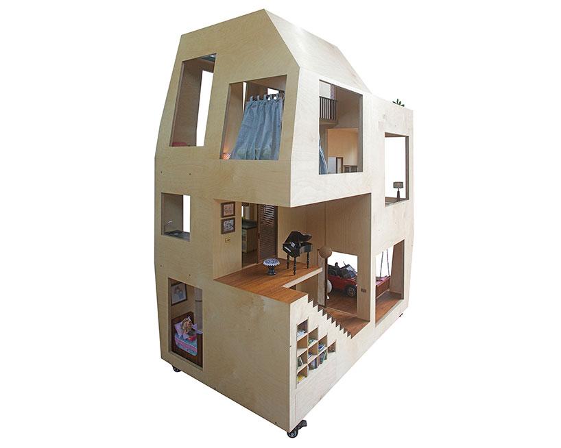 芭比娃娃的模型,以及家具模型,细致到每一个层面的细节.