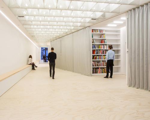 由collective-LOK设计的van alen 研究所 一层空间在纽约开放
