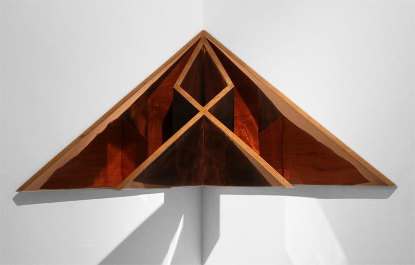 作品中的几何和折纸椅子2015年迪拜设计节上的椅子图片版权归图片