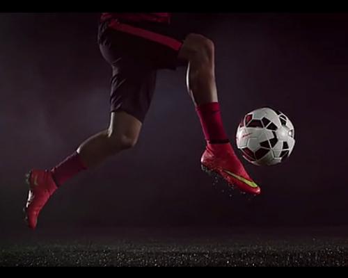 耐克墨丘利神超级飞人10 足球运动鞋设计图