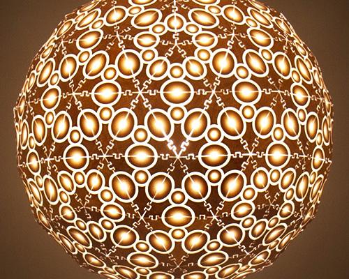 传统手工艺术制作与数码科技雕琢精致的纹饰灯具-纽约设计周
