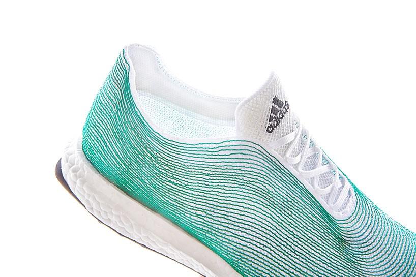 阿迪达斯推出世界首款海洋环保运动鞋