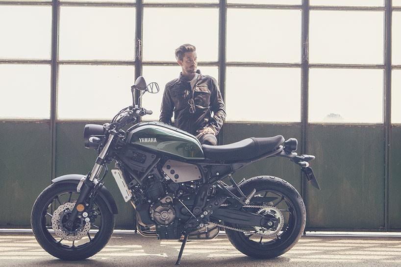 雅马哈摩托车sr400