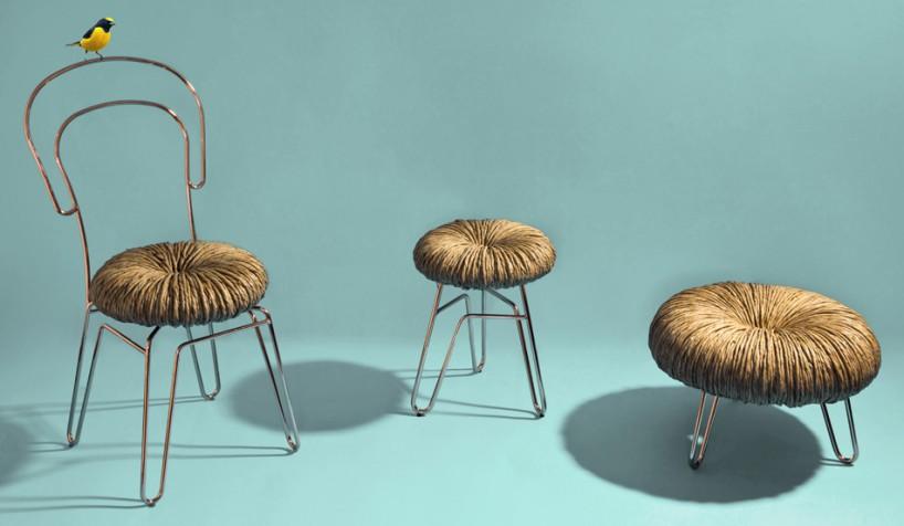 这些椅子,凳子和箱式凳的座垫使用意大利传统手工艺,将草纤维手工编织