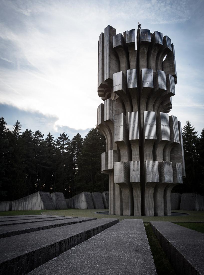 二战纪念碑建筑雕塑与跑酷摄影