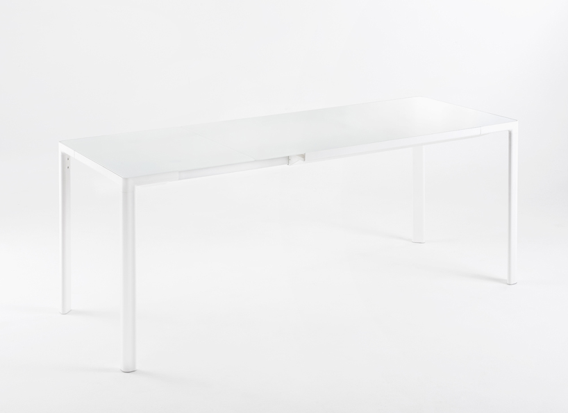zooom-table-piero-lissoni-kartell-designboom04