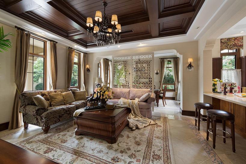由无相设计主持的室内设计贴合建筑特色,引入与地中海风格一脉相承的