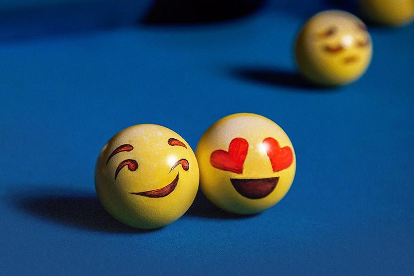 台球配上emoji表情 俏皮又可爱图片