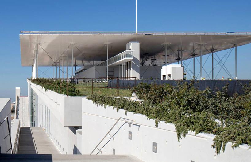 集剧院与图书馆于一体的文化综合体——伦佐·皮亚诺