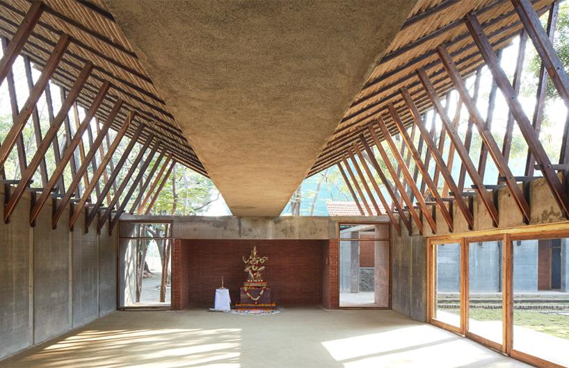 利用传统材料打造新型结构与空间的印度社区中心