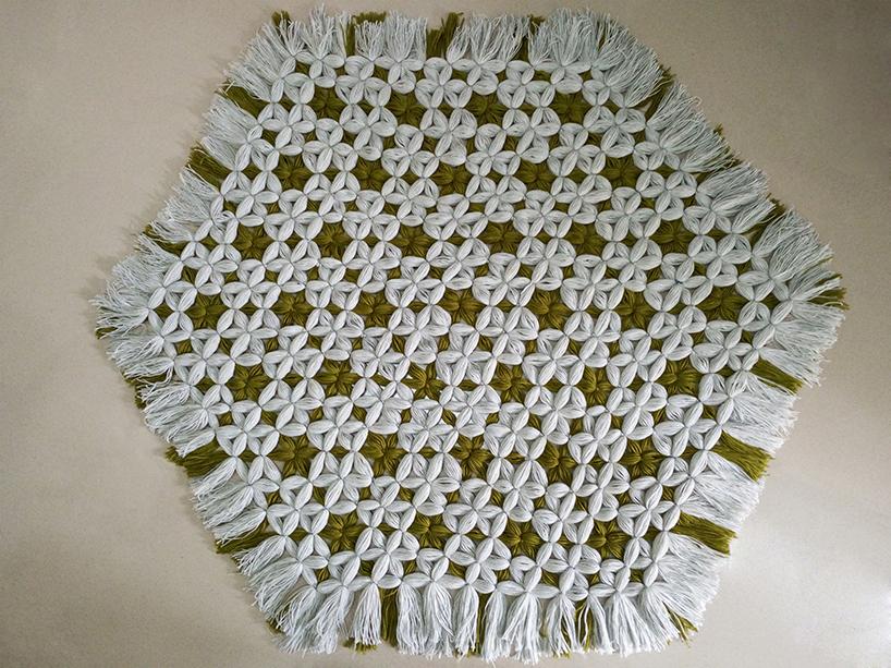 夹染与面料褶皱相结合的室内软装设计
