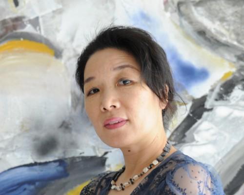 德籍华裔女艺术家:十二年间近70件雕塑作品