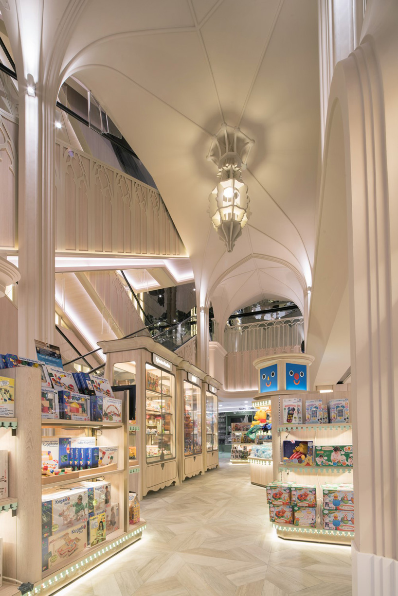 03. SOGO TOY CATHEDRAL by Alexander Wong Architects