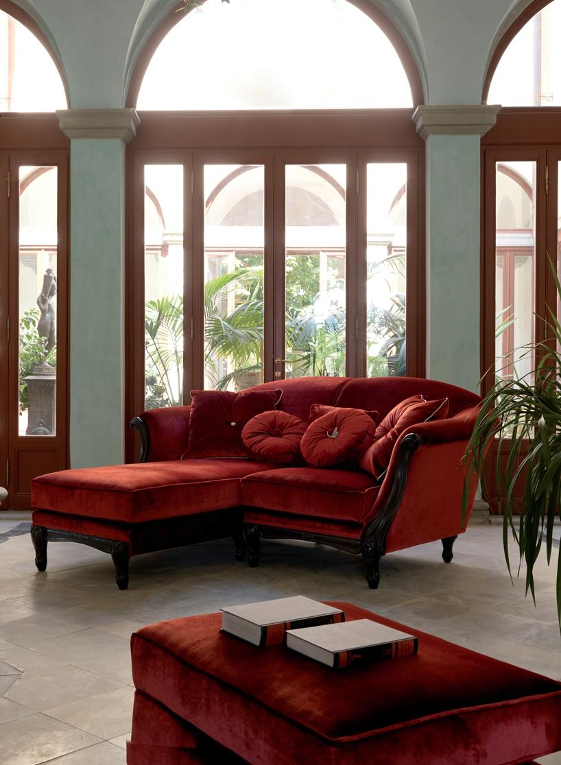 Living Room - sectio<em></em>nal couch