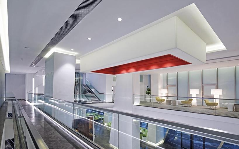 杜柏均获奖作品《南京证大大拇指广场售楼中心室内设计》1