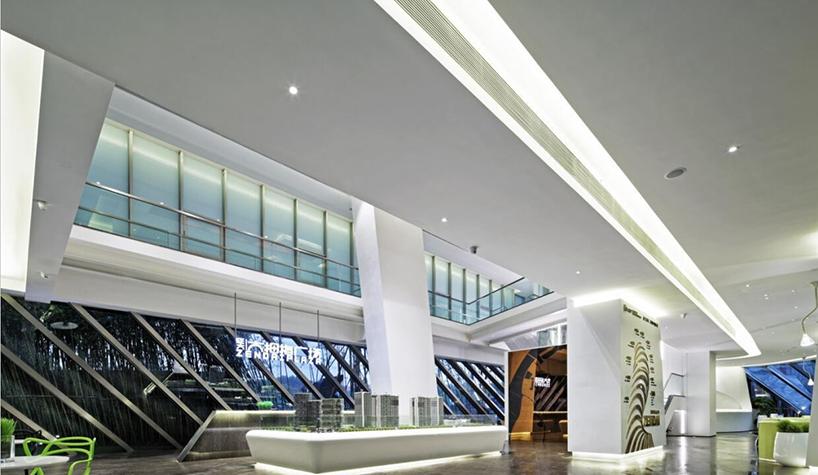 杜柏均获奖作品《南京证大大拇指广场售楼中心室内设计》2